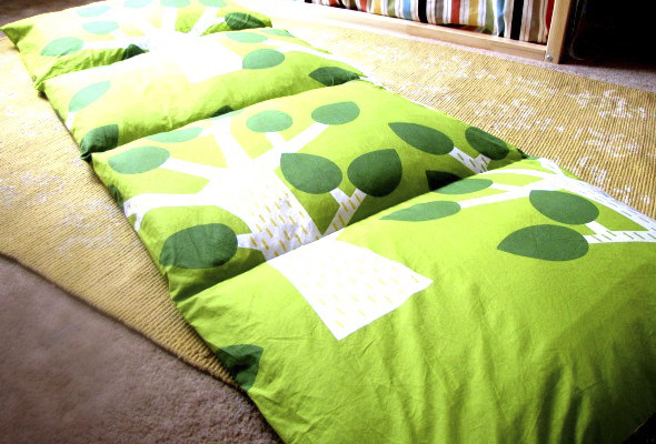 diy kuschelsofa aus kissen butterflyfish. Black Bedroom Furniture Sets. Home Design Ideas