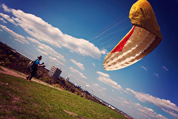 Teufelsberg Berlin Paraglider