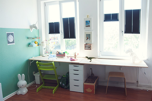 diy schreibtisch im kinderzimmer butterflyfish. Black Bedroom Furniture Sets. Home Design Ideas