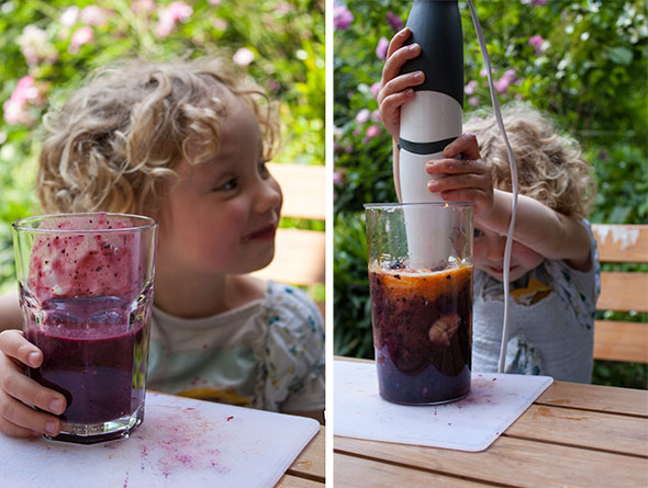 Picknick am See - Amelie mixt Smoothie