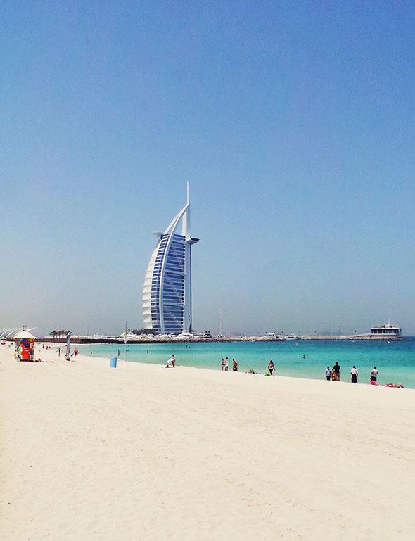 öffentlicher Strand nahe dem Burj Al Arab