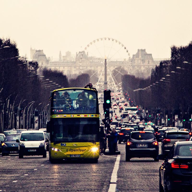 Paris Avenue des Champs-Élysées