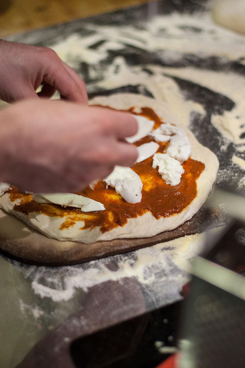 Ein einfaches Rezept für den weltbesten Pizzateig