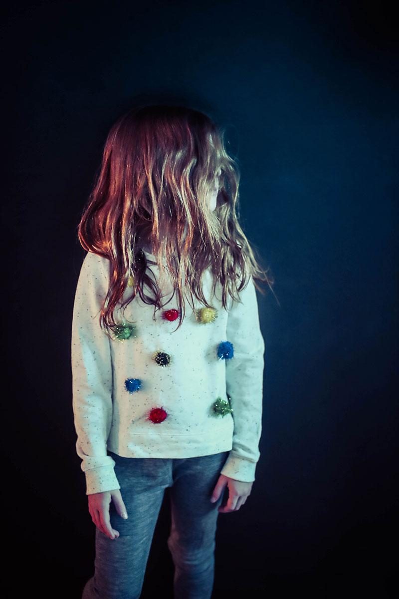 DIY Pullover mit PomPoms