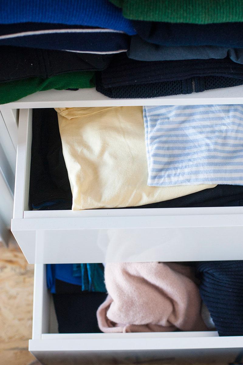 kleiderschrank entruempeln schubladen