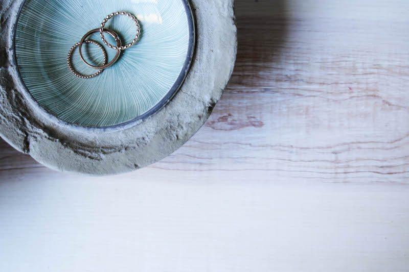 DIY Betonschale für Eheringe